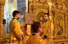 Архієпископ Варсонофій звершив всенічне бдіння у Хресто-Воздвиженському храмі м. Вінниці. Оновлюється.