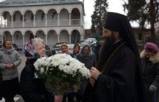 Архієпископ Вароснофій звершив Божественну Літургію в соборі Різдва Пресвятої Богородиці.