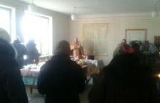 Релігійна громада Стадниці змушена молитись в приватному будинку.