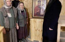 Митрополит Варсонофій відвідав громаду УПЦ села Махнівки, в якої захопили храм