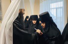 Митрополит Варсонофій привітав сестер Браїлівського та Барського монастирів з Різдвом Христовим